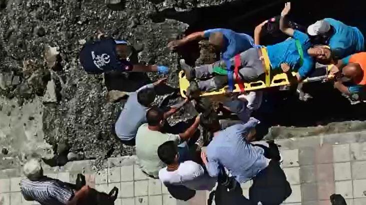 İstanbul'da göçük altında kalan işçi kurtarıldı